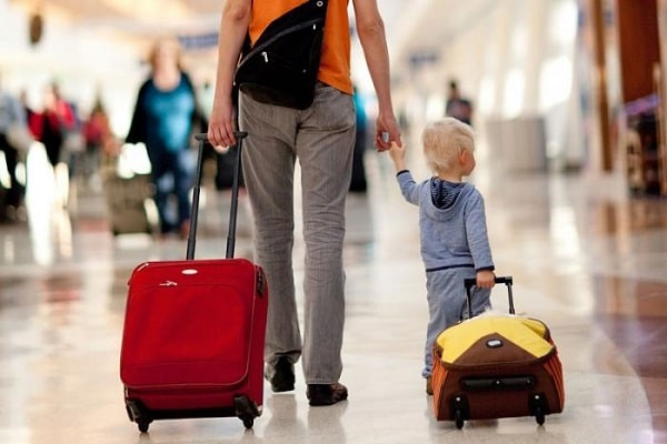 Яркие чемоданы