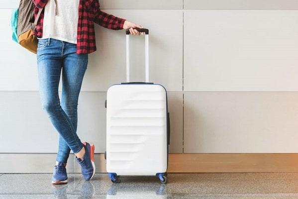 Вместительный чемодан на колесах - MODNOTAK