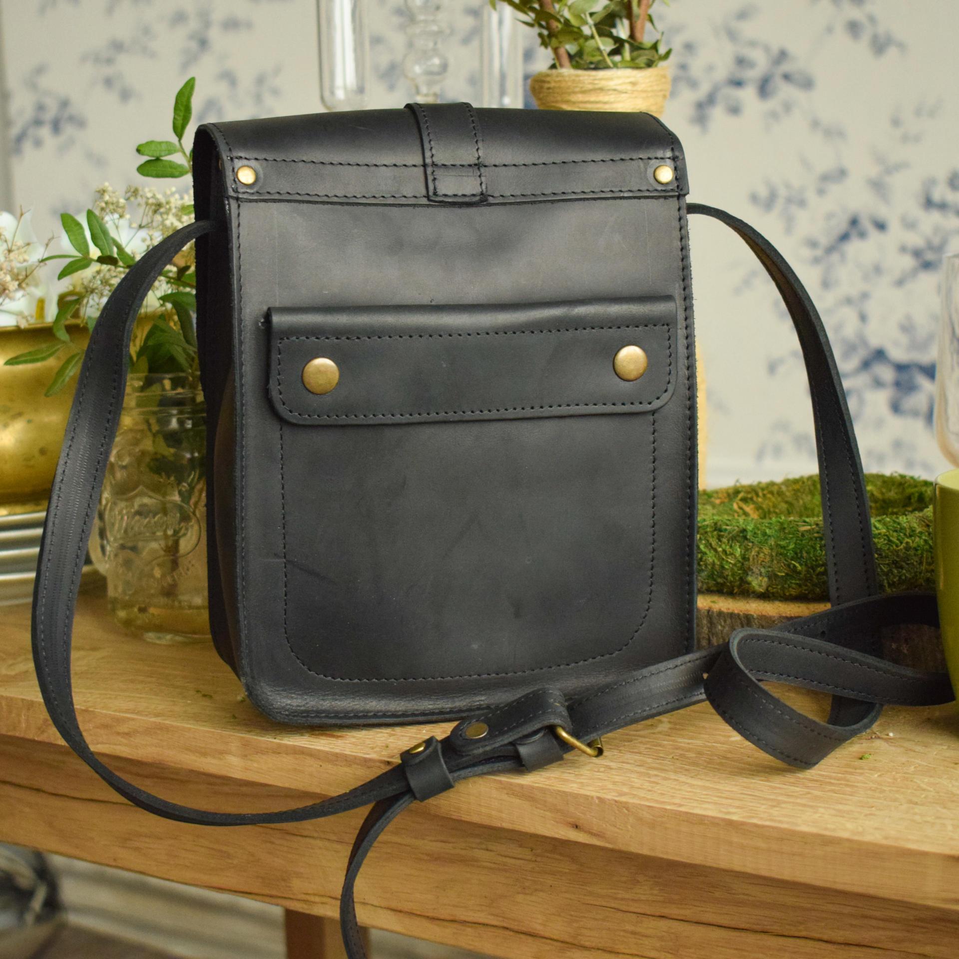 24e7fc06fed4 Мужская кожаная сумка из натуральной кожи – купить недорого ...