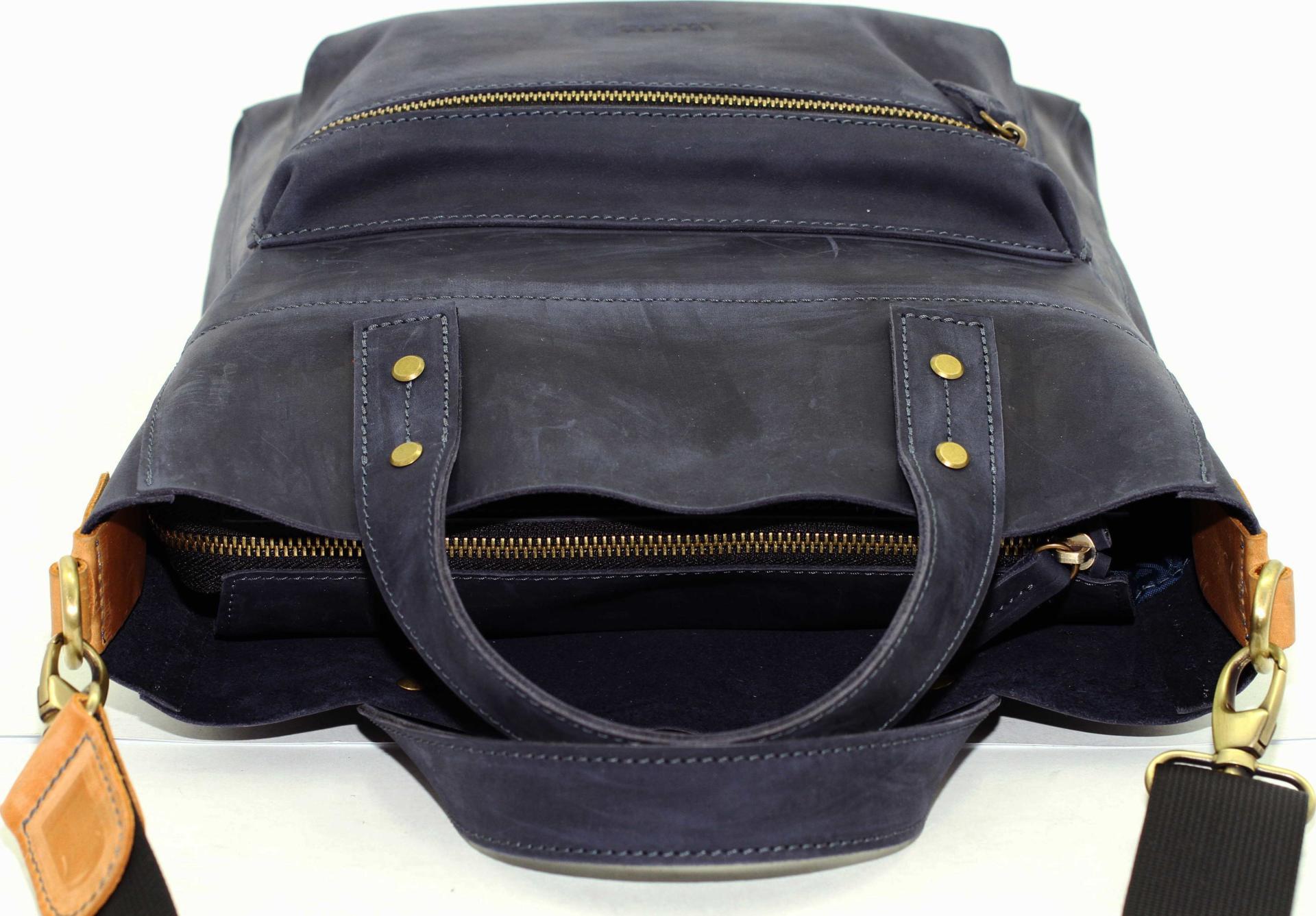 97f7953c007a Стильная синяя сумка из матовой кожи VATTO (12109) купить в Киеве ...